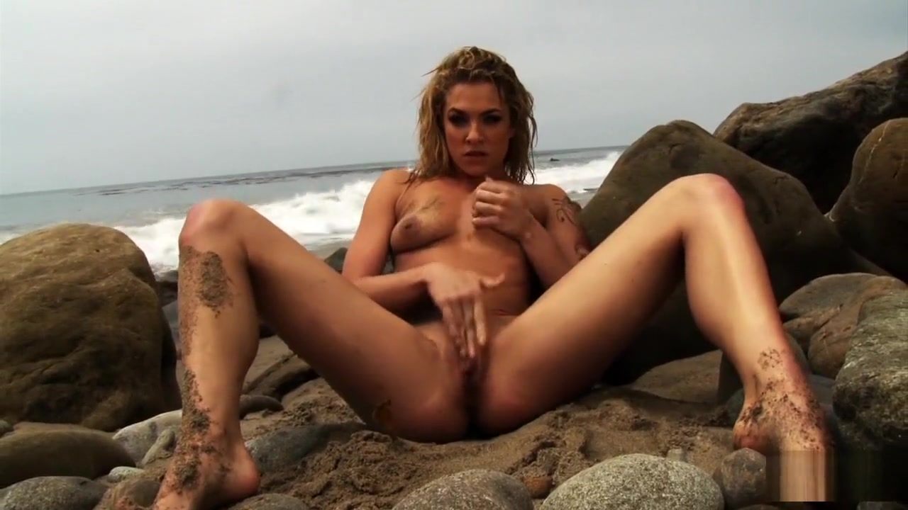 Bailey Blue squirting by the sea i cum in public