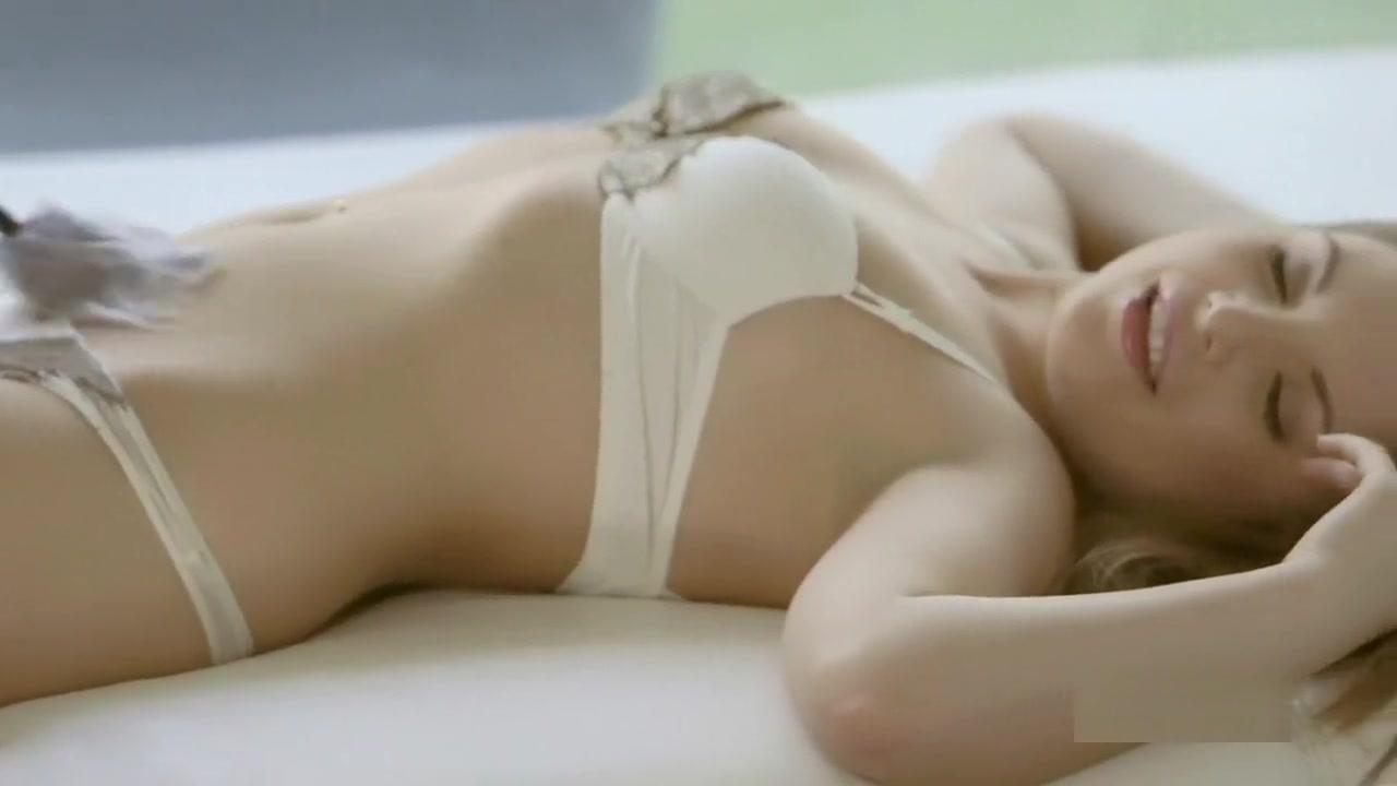 Nude Photo Galleries Cute girls boobs photos