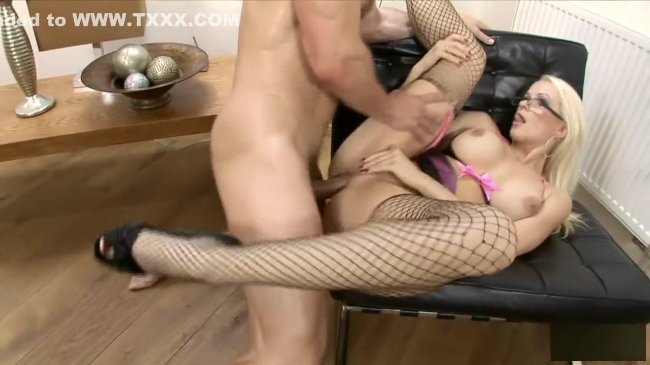 Sex photo Pour house richmond