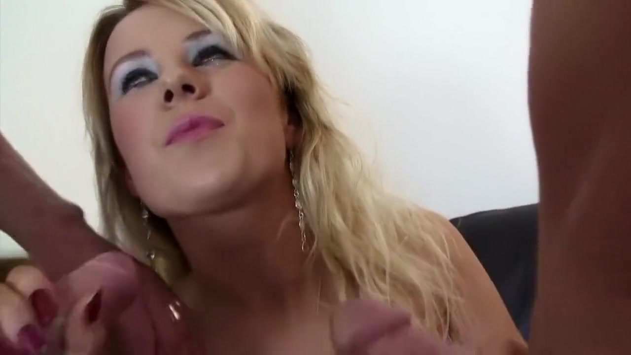 Muscular mature on cam pt3 Porn archive
