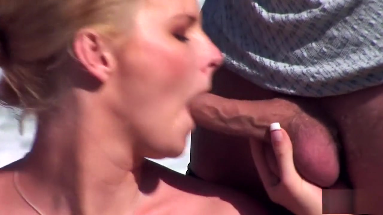 Adult gallery Bbw fucks dildo and cums