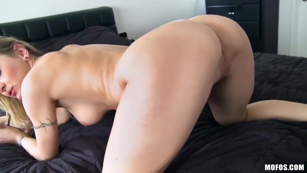 Naked xXx Fat ass latina booty