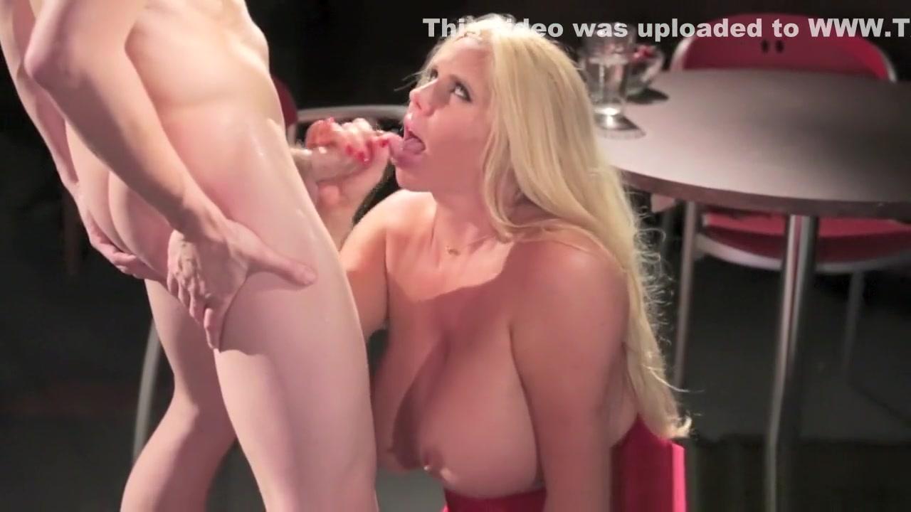 Sexy xXx Base pix Bbw gropes herself