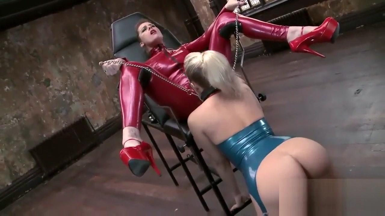 Lesbiian licking Milfa fuckd