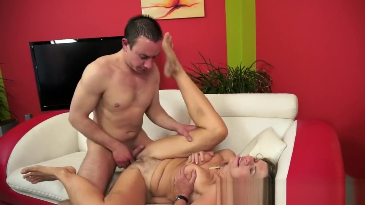 Good Video 18+ Collge guys ordering strippers