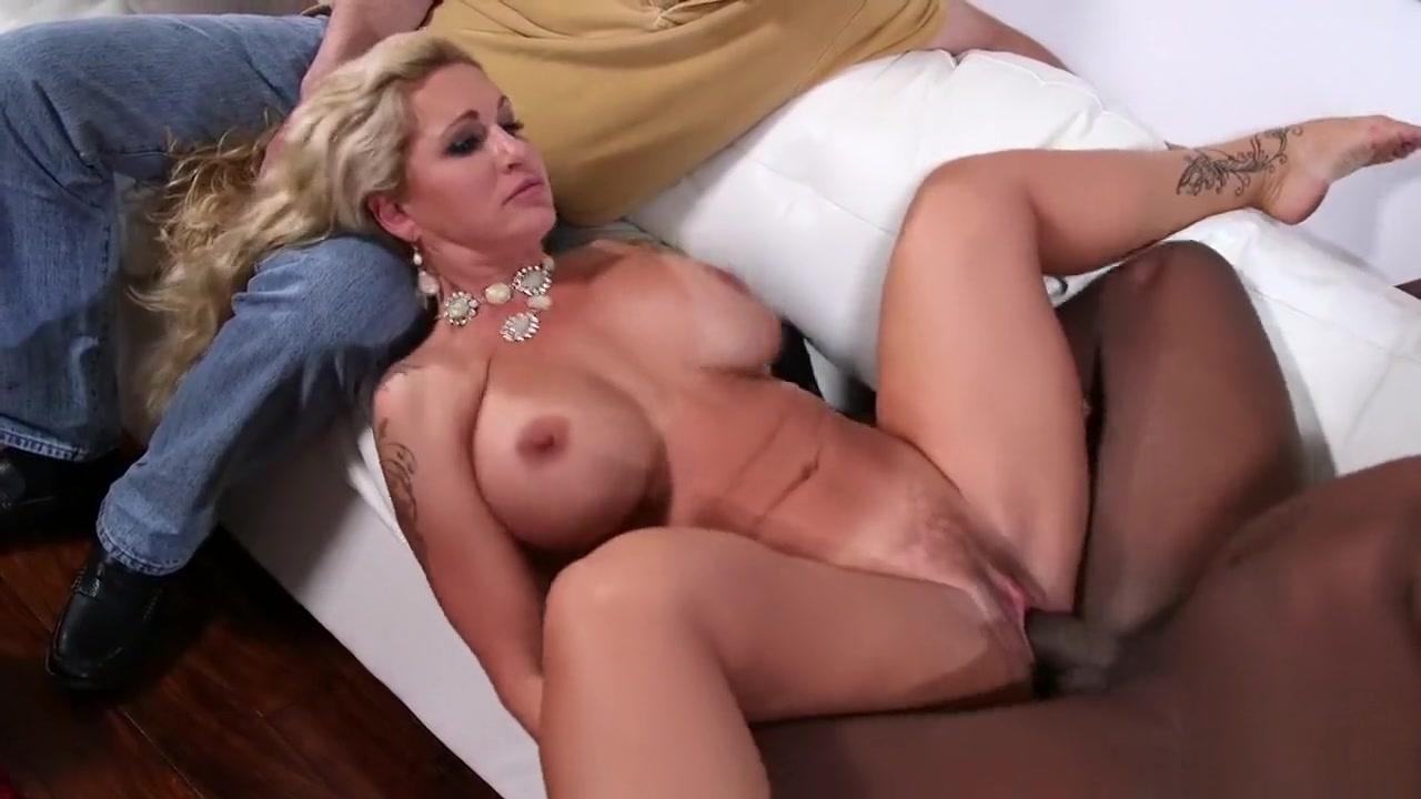 Hot porno Sexy natural mature solo