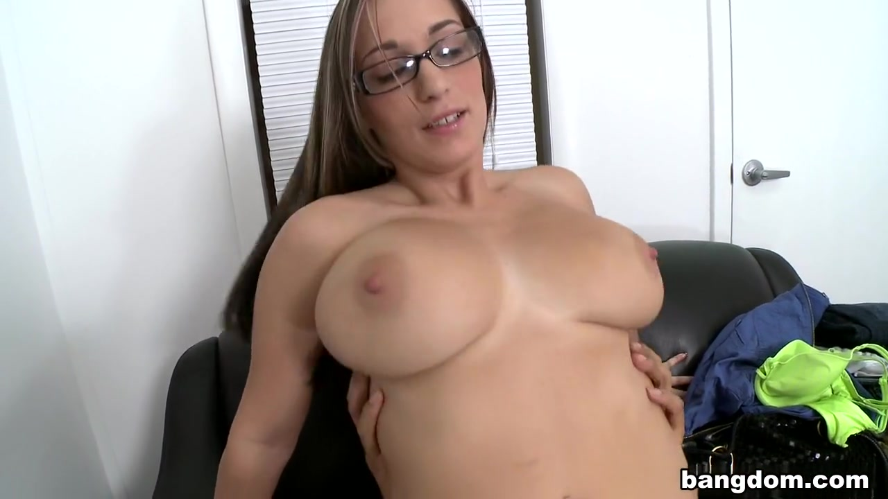 Porn clips She sent me a blank text
