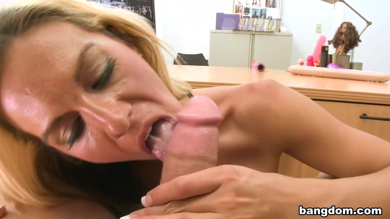 Carolyn and john hookup divas scavenger hunt Porn clips
