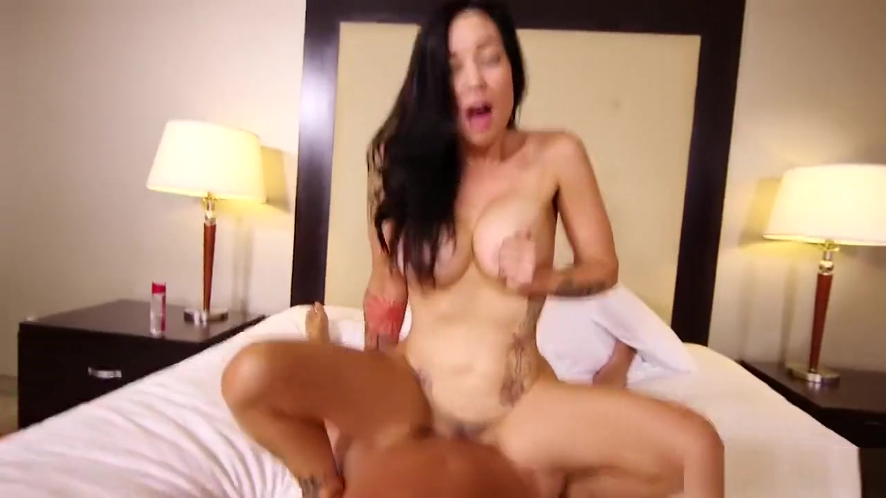 xXx Videos Randy babe gets horny with her lover