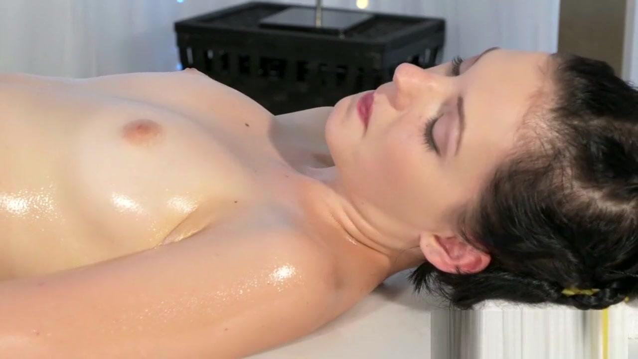 Kellan lutz dating australian Sex photo