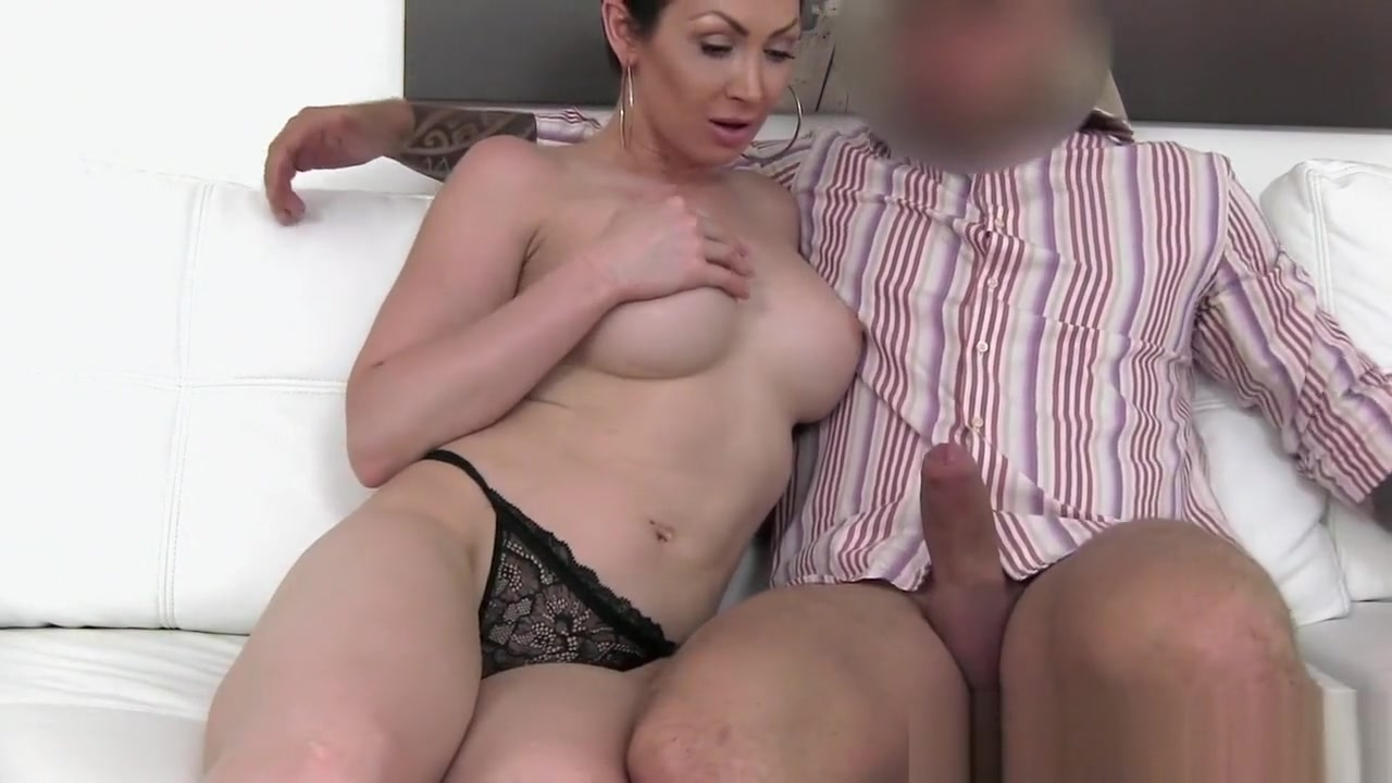 Wendy goes ass to mouth with her toys xXx Videos