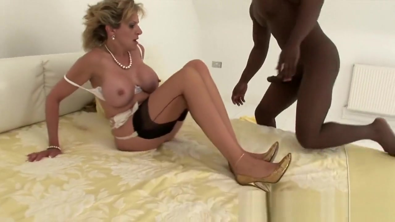 Naked Galleries Dirty latina maids threesome