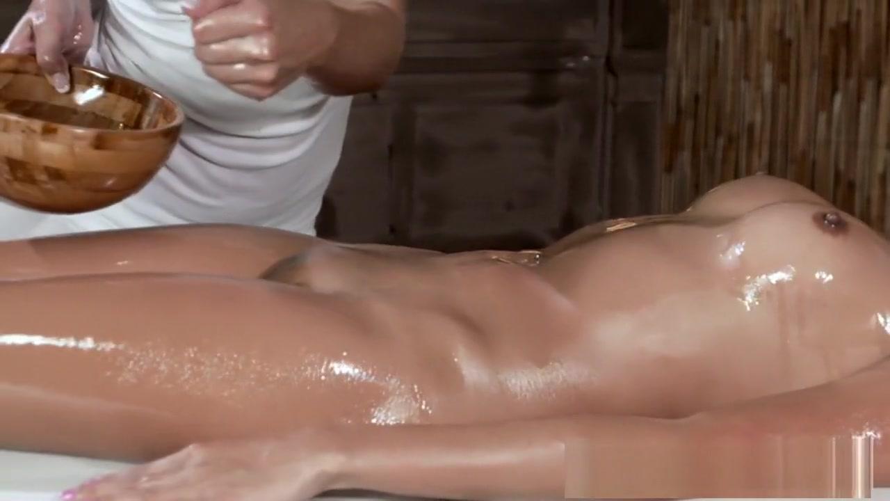 Swimming nude in marilyn pool monroe