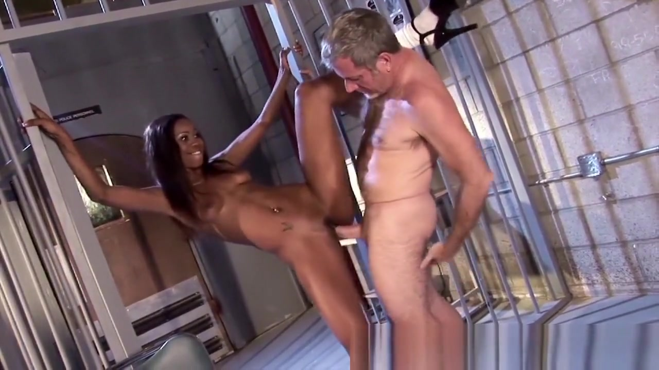 RealBlackExposed - Pervy Detective Getting Friendly With the Prisoner Soft booty milf in subway