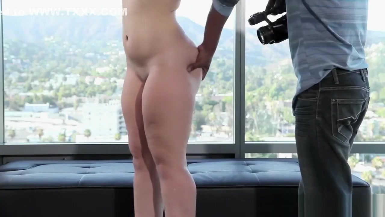 Nude gallery Girl does all the work