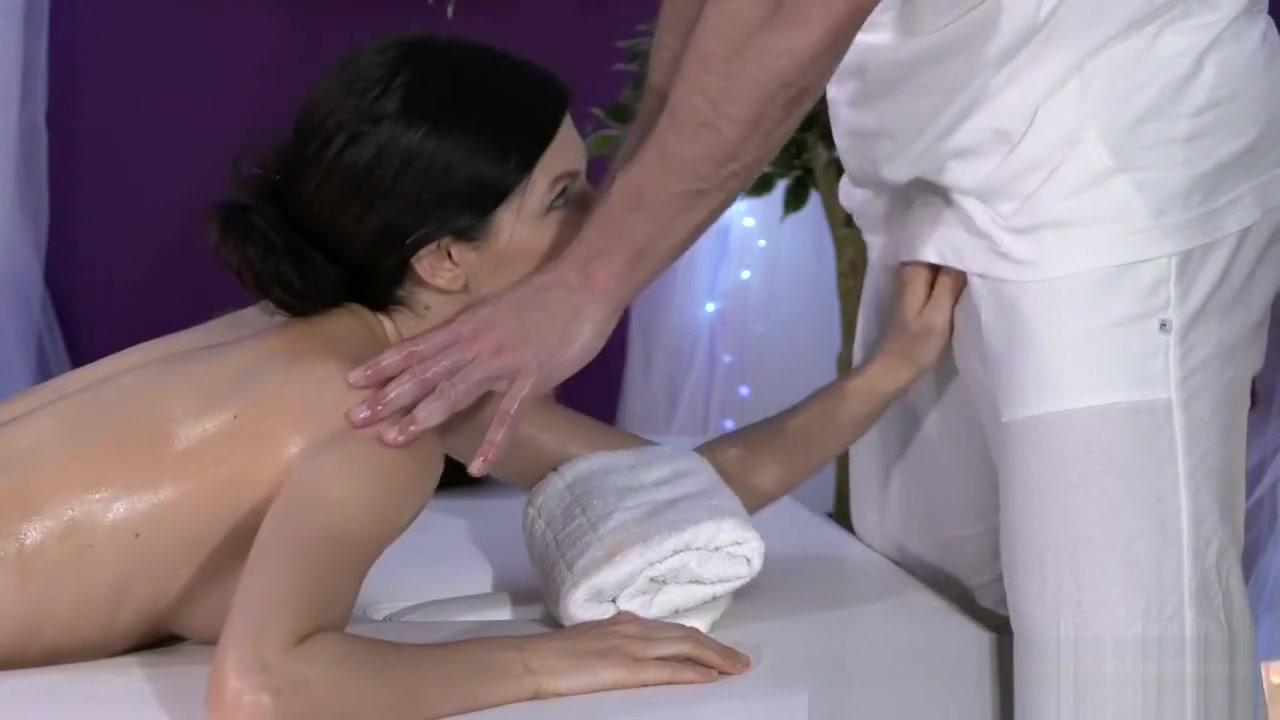 Hot xXx Video Boob fetish ironing