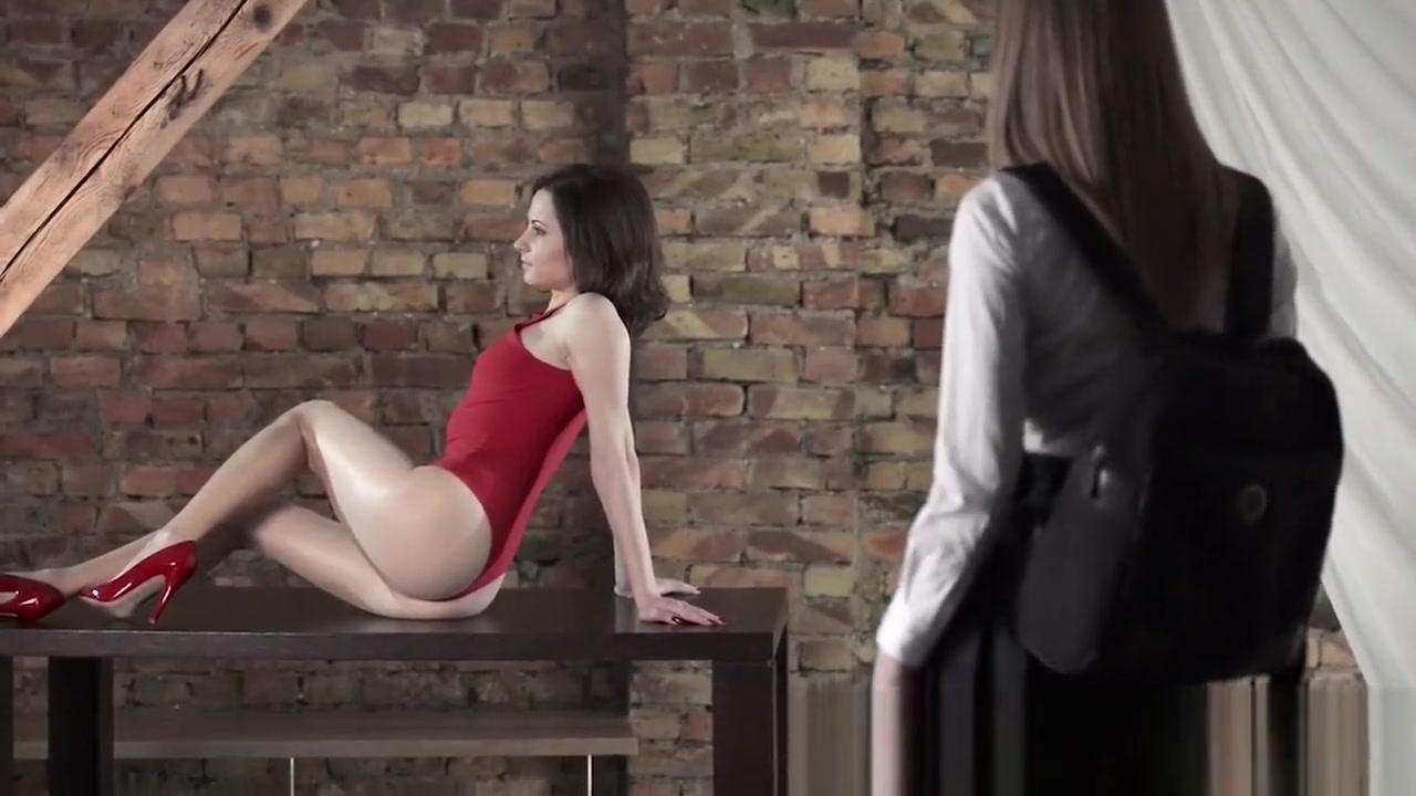 Lesbain pornb naked vidow
