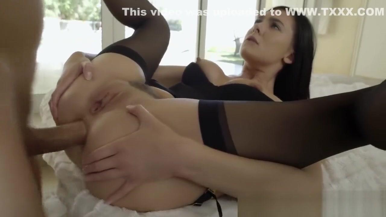 Pron Videos Yellabone bbw with tats gives blowjob