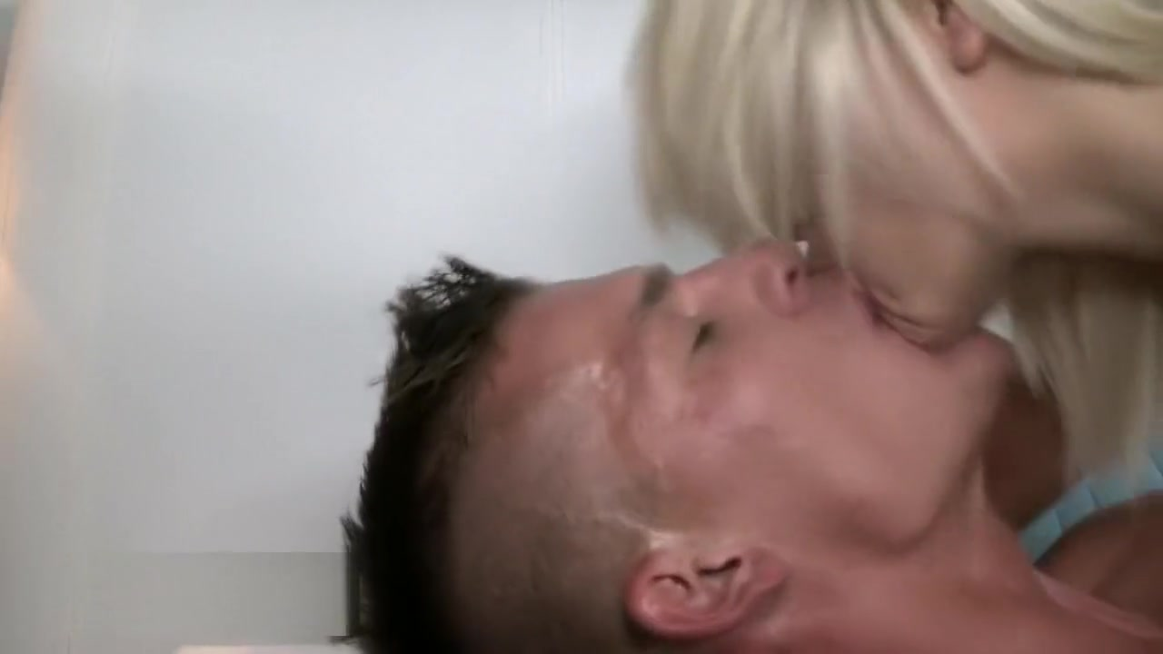 Hot Nude Slut tranny and hot milf walking