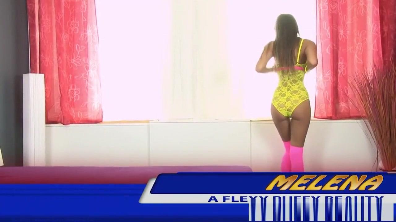Naked Gallery Blonde Hot Babe Enjoys Her Dildo
