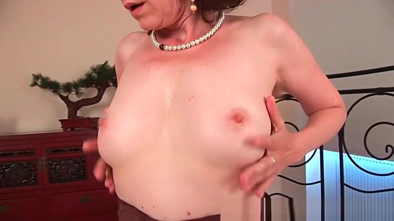 Porn Base Mature blonde amateur enjoying some cock