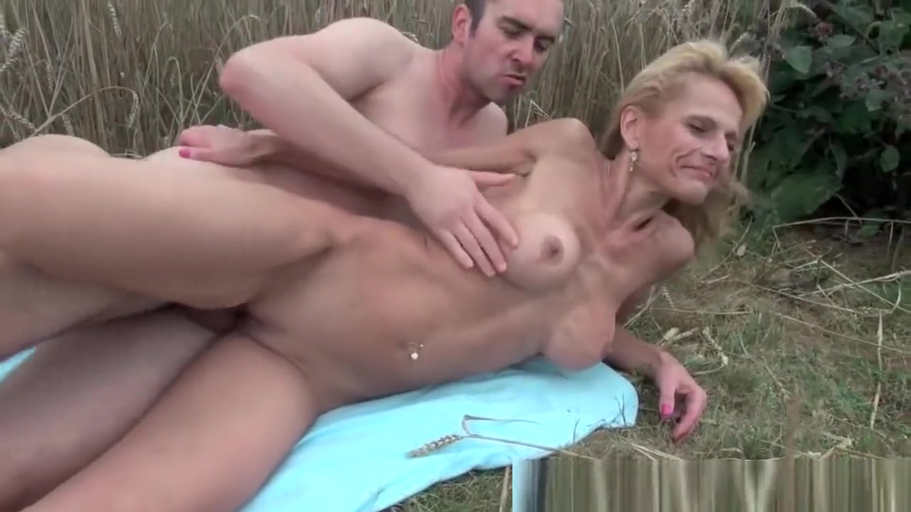 New porn Refidge with shaved air maker