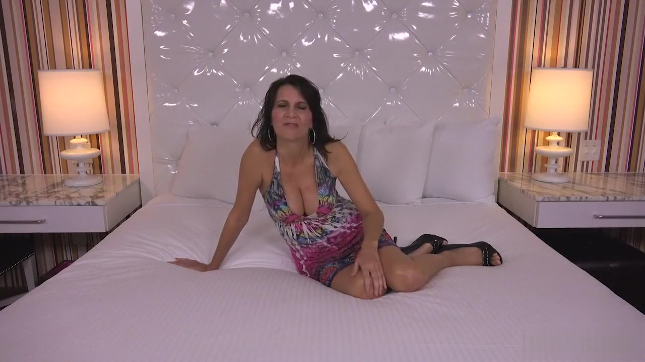 Porn galleries Old and milf lesbian pussy