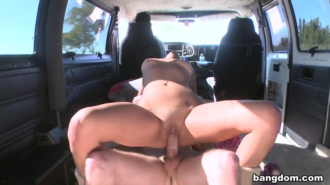 Sex photo Emily rinaudo private snap
