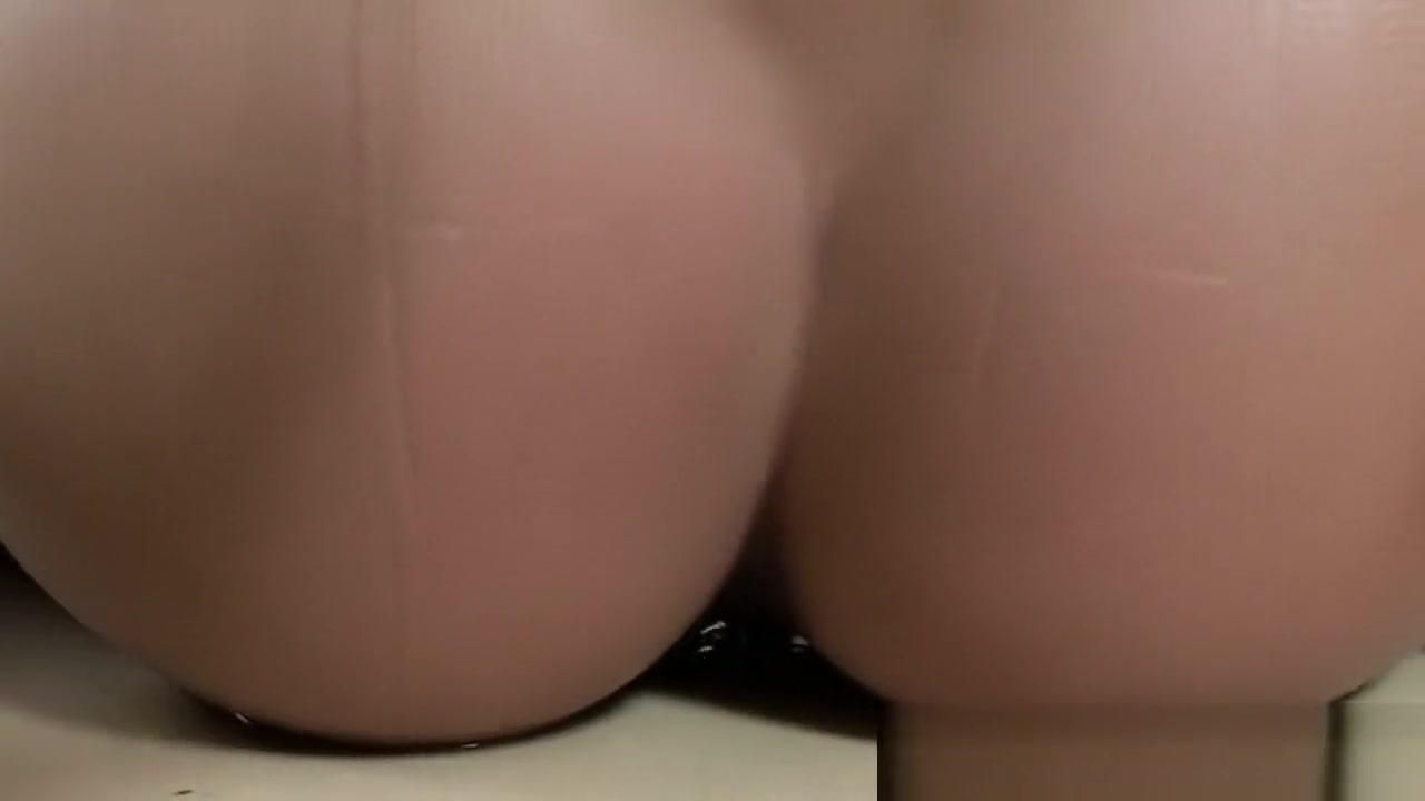 Brunette mature pleasures her pussy Hot Nude gallery