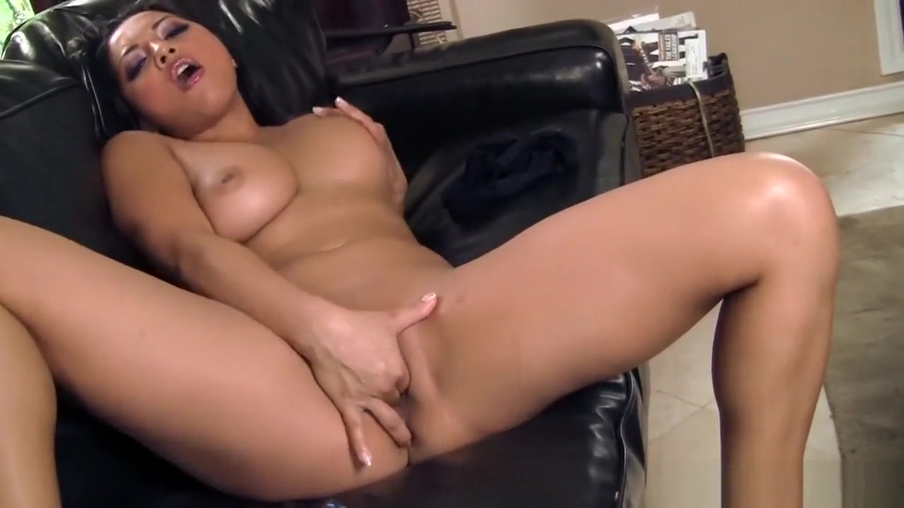 XXX Photo Milf with outstanding ass by clessemperor
