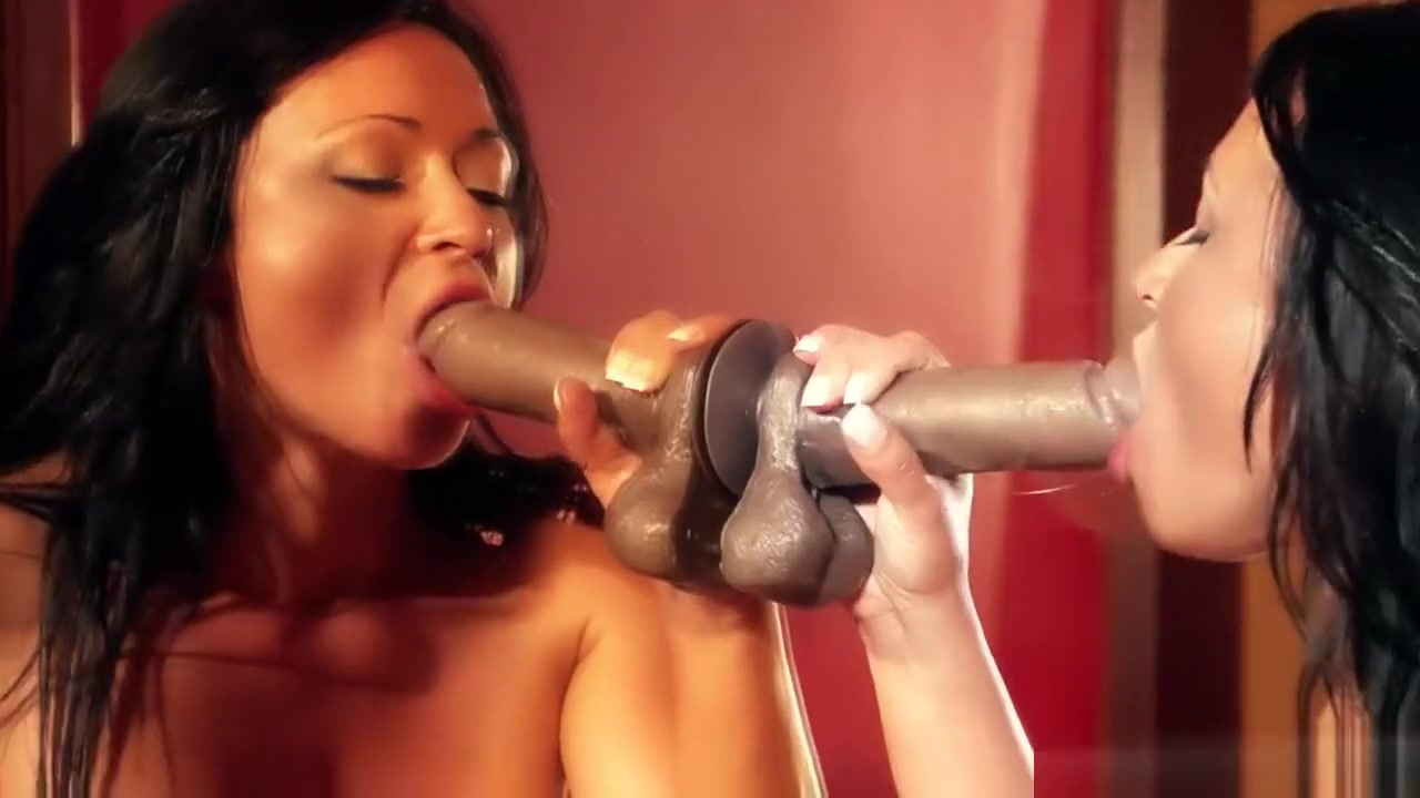 Sexy Video Milf showing pussy