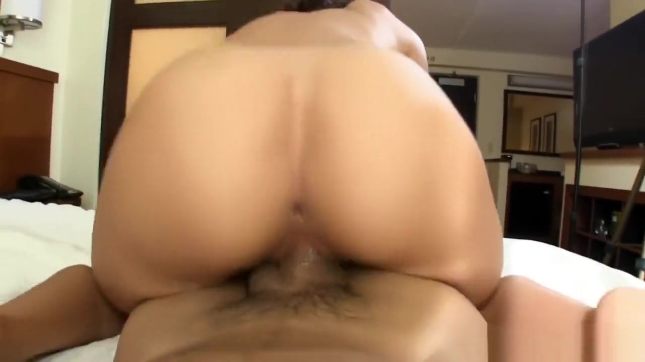 Smooth Oil Naked Galleries