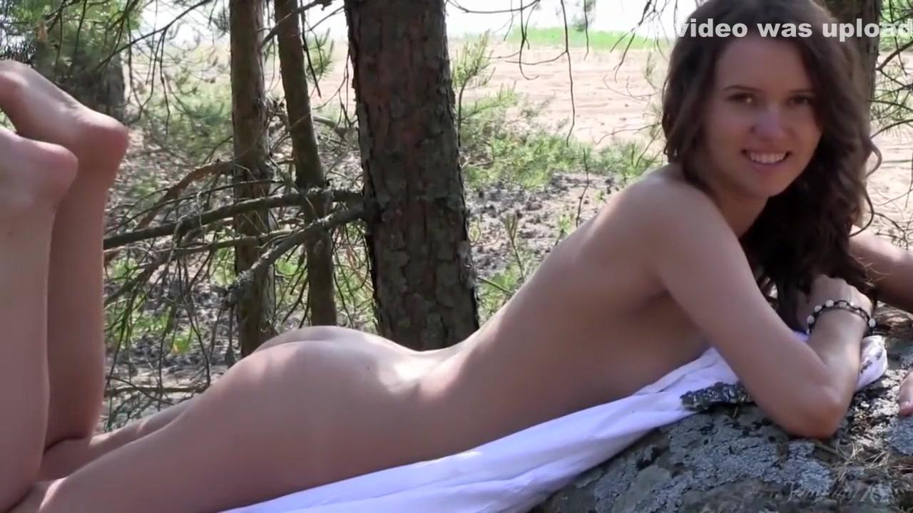 XXX Video Senior girl hookup a sophomore boy