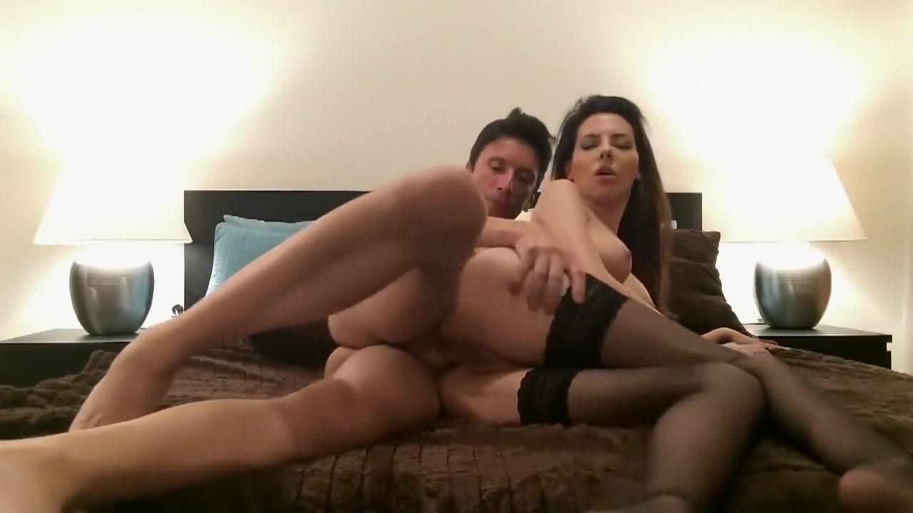 Hot porno Masturbating british milf