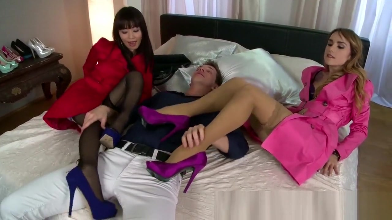 Two massive boobies women pillow fighting with men Sexy xxx video