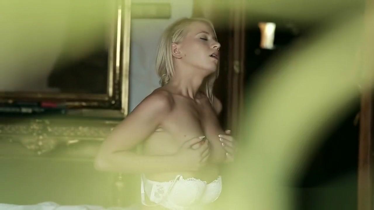 Hot Nude Superbe mature tres chaude