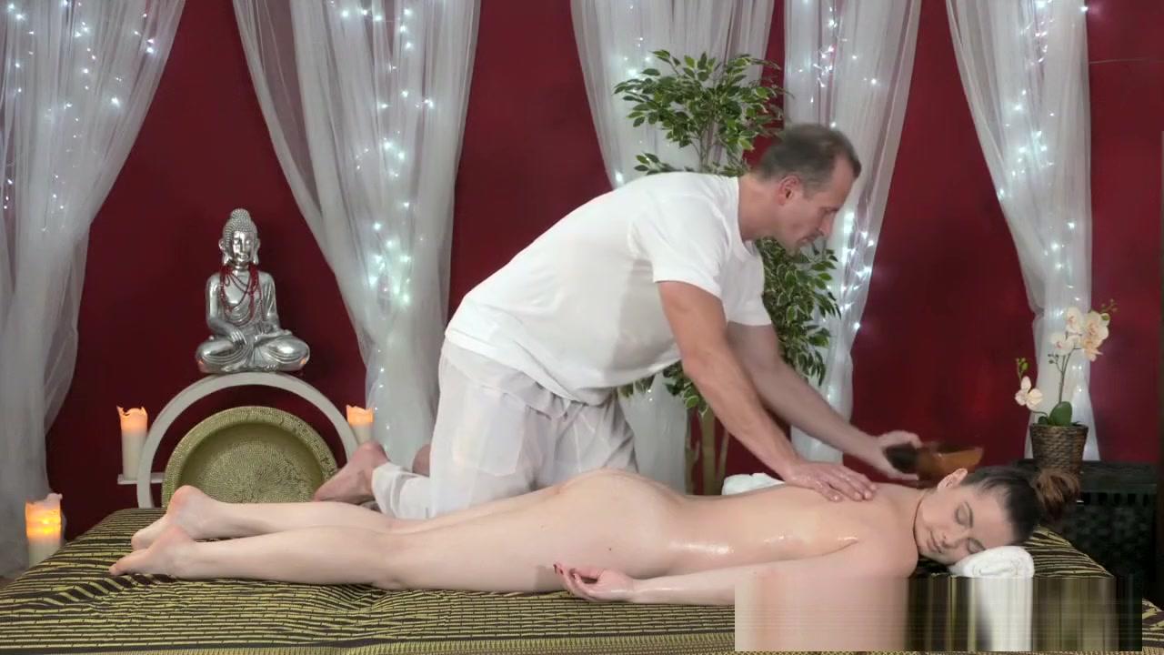 Porn Pics & Movies Big tits bikini gallery
