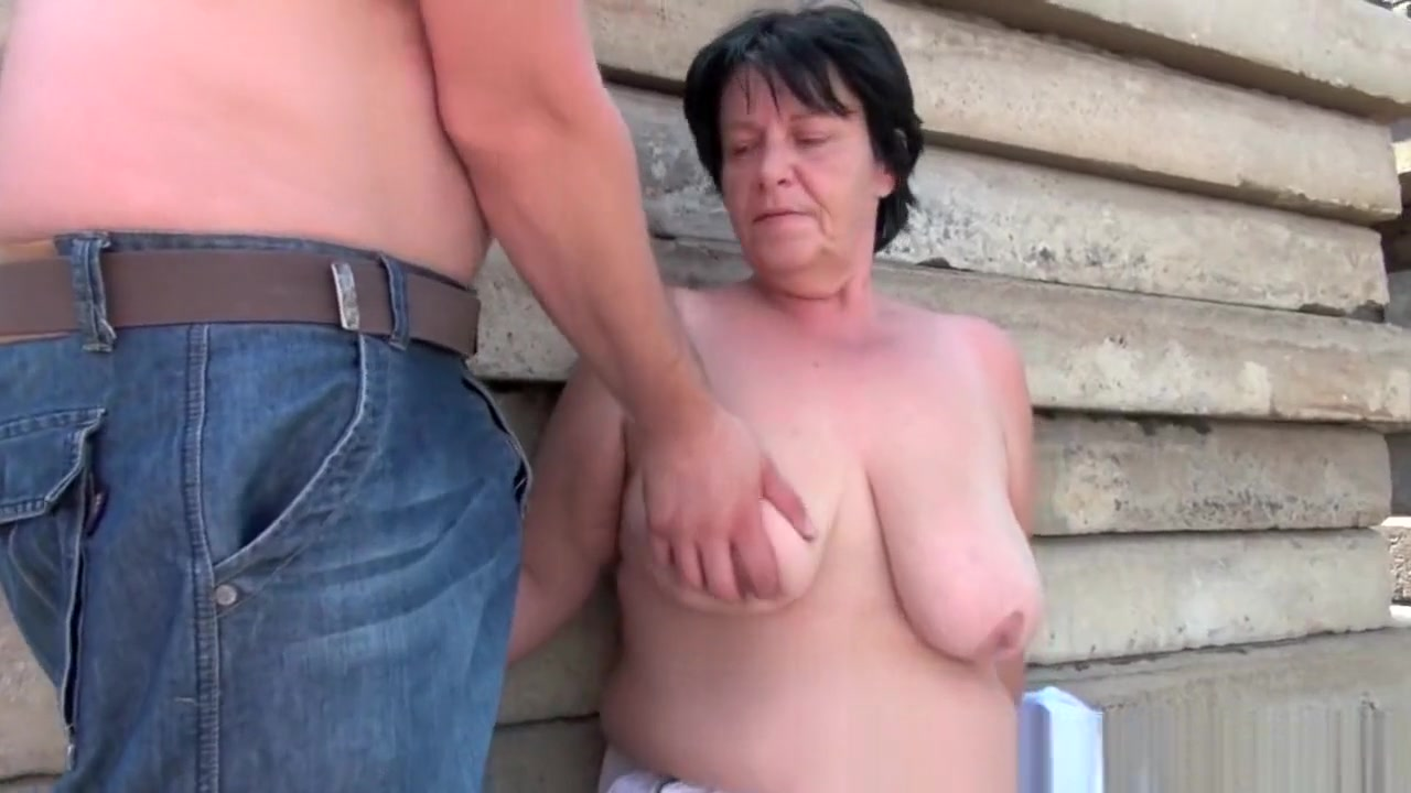 Adult gallery Busty old lady nude