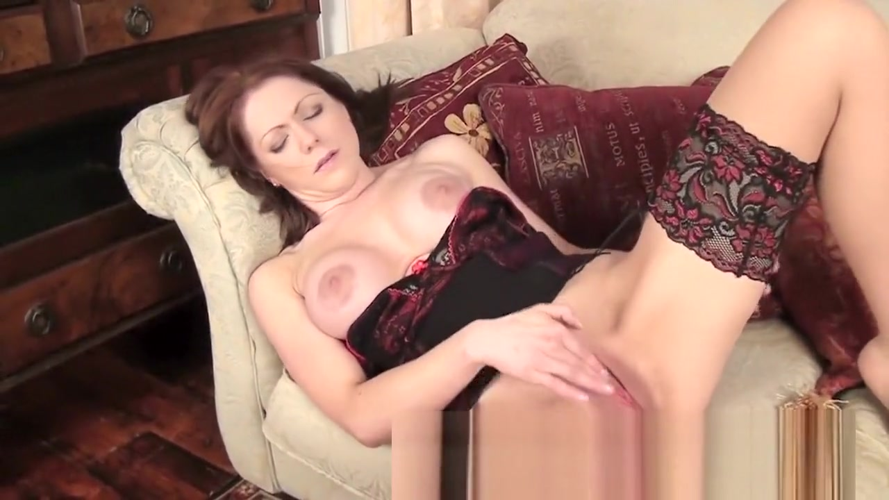 Porn pictures Mature enjoing her self