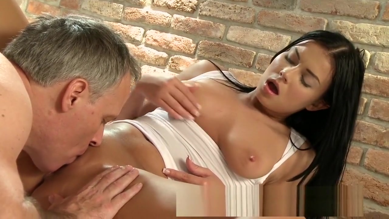 Multiple orgasms for horny girls from expert pussy licking