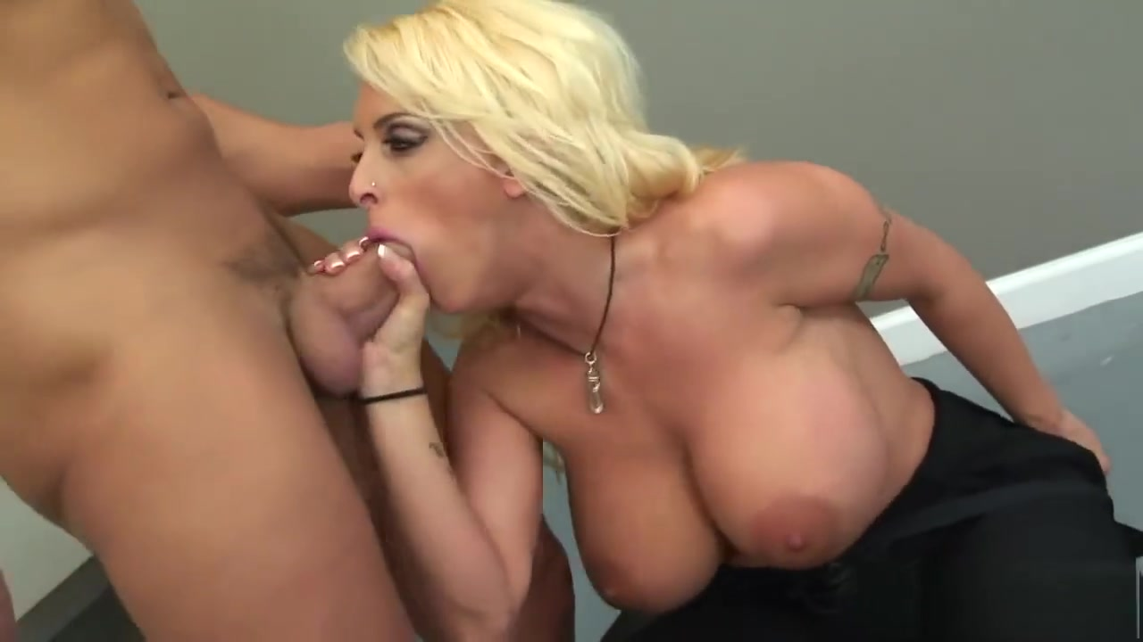 Kacie gets anal and pussy penetration XXX pics