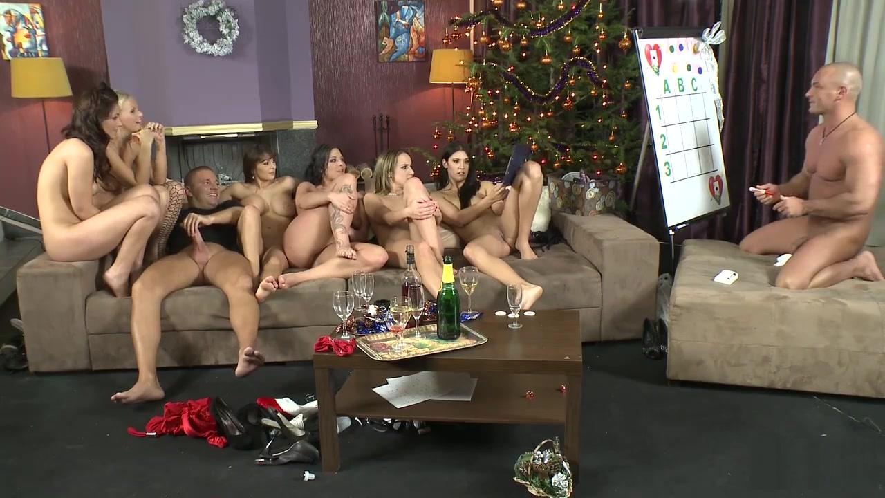 Nude pics Todo es mentira online dating