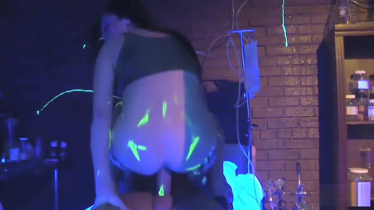 Hot Nude Ebony slave