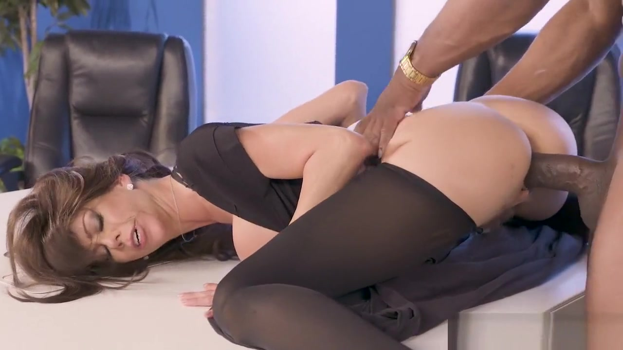 Alexis cant help herself when she sees a big black cock video hardcore sex korean historic