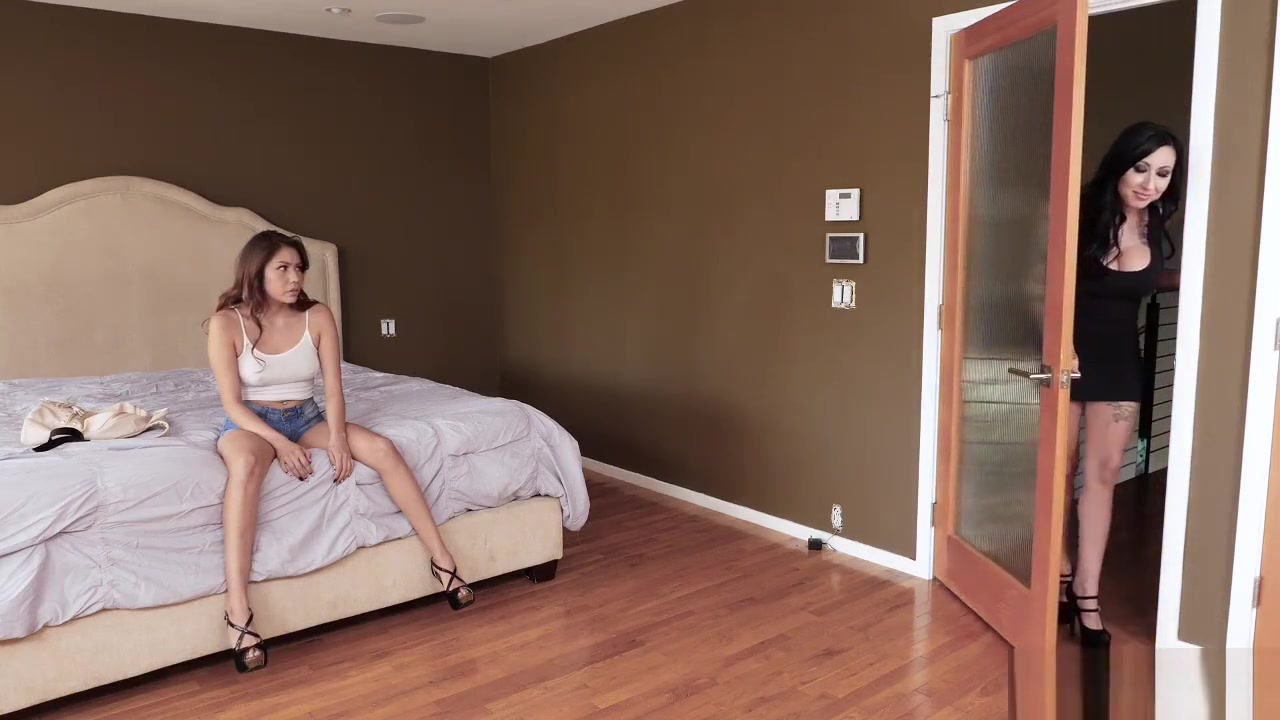 Adult sex Galleries Missy Mathers Can Suck A Rock Through A...