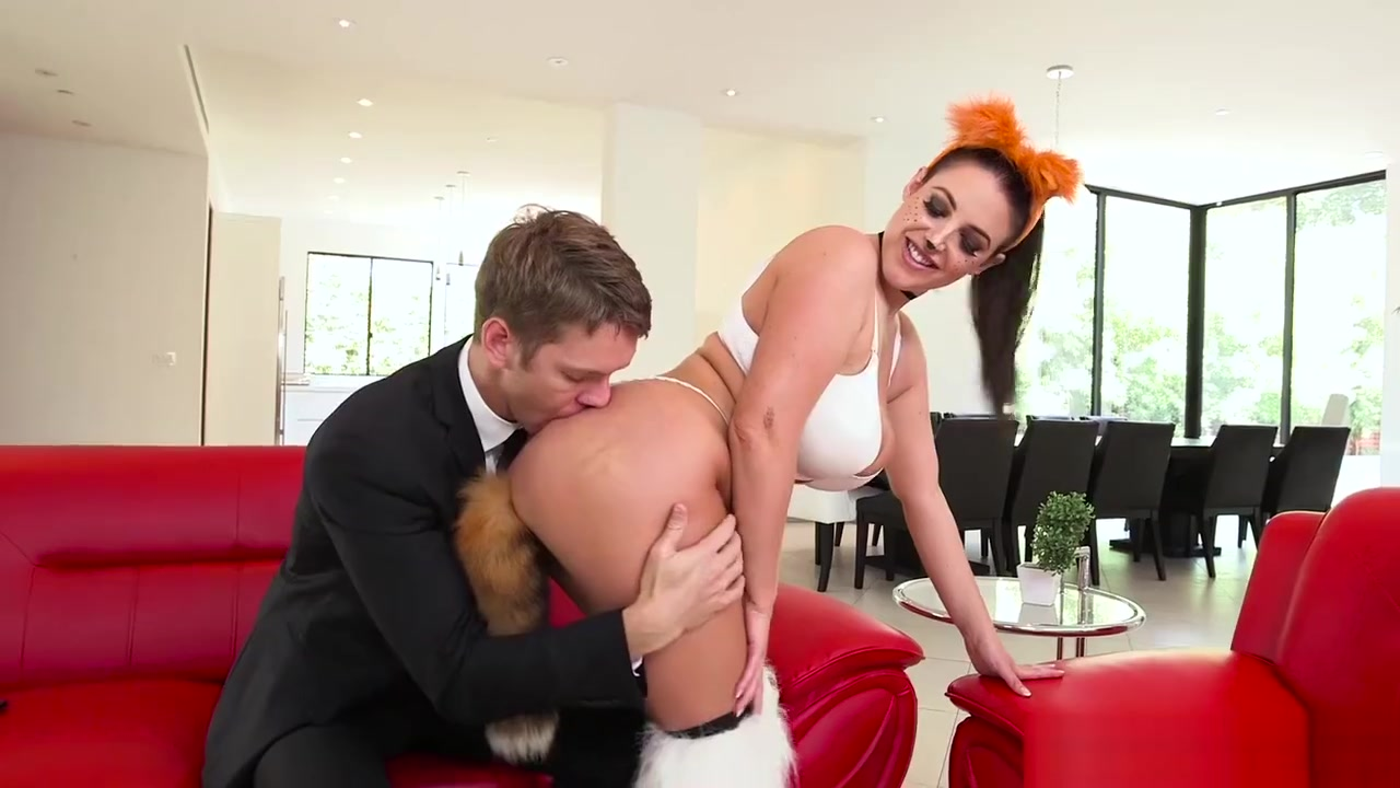 New porn Milf licking cum