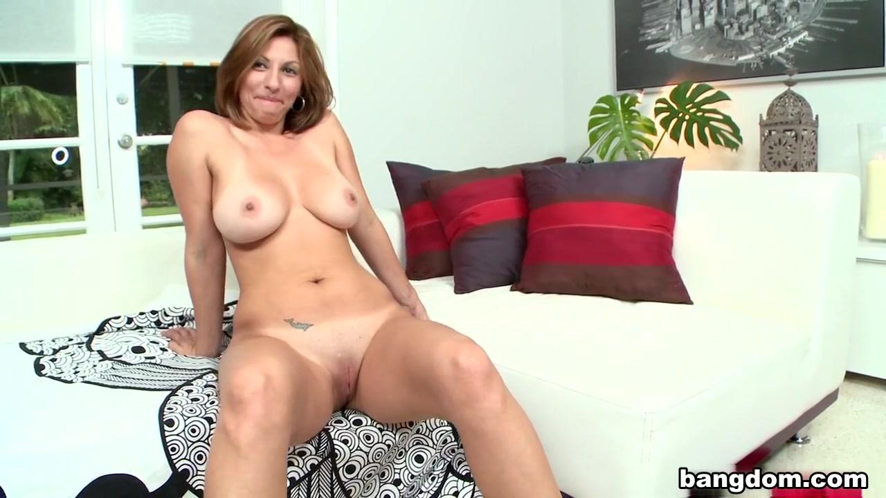 Sexy Galleries Ebony big boobs