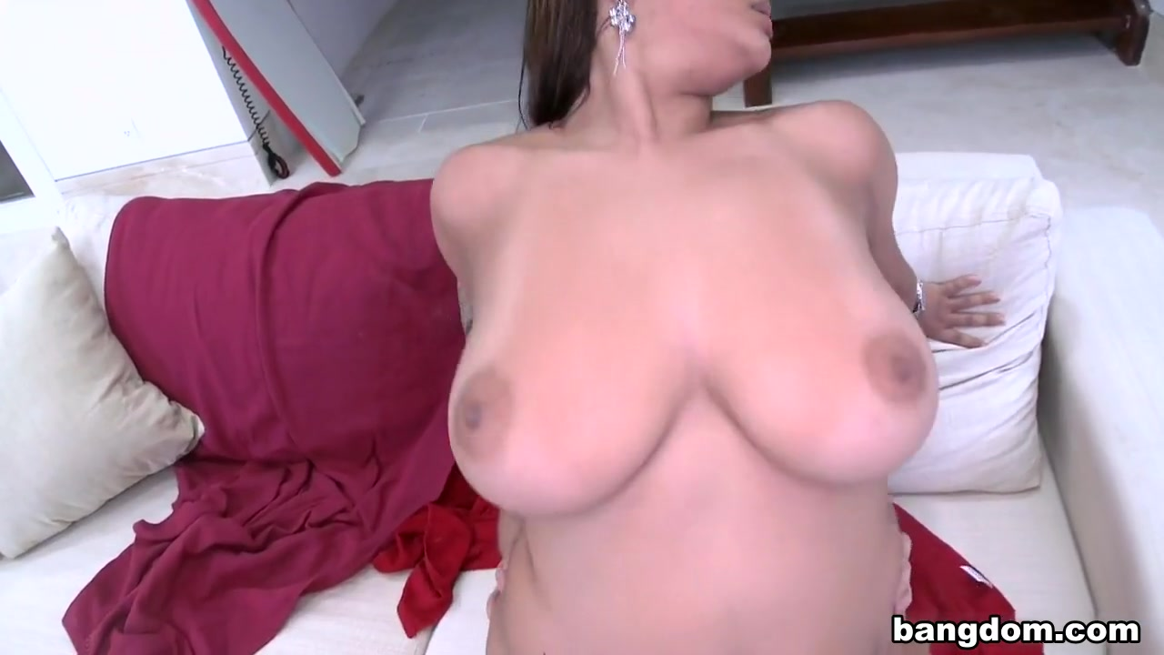 Sexy xxx video Puremature lisa ann fucked by the pool