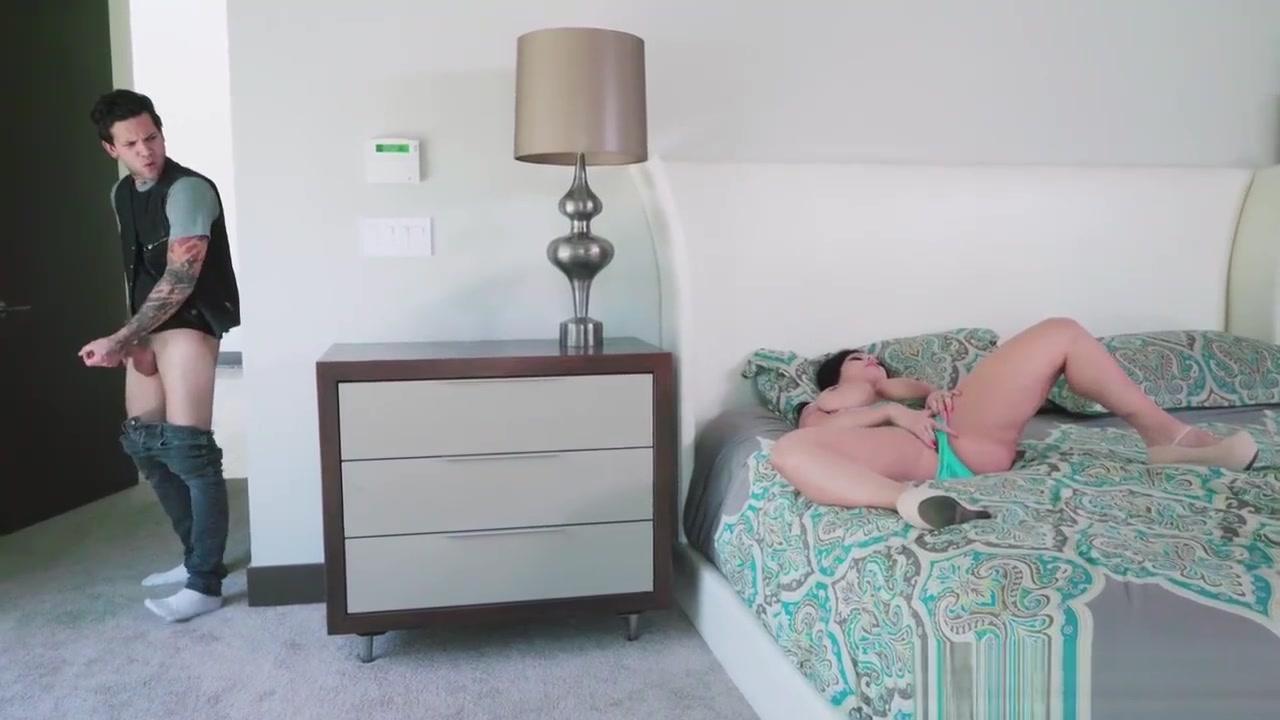 XXX pics Caught watching porn videos