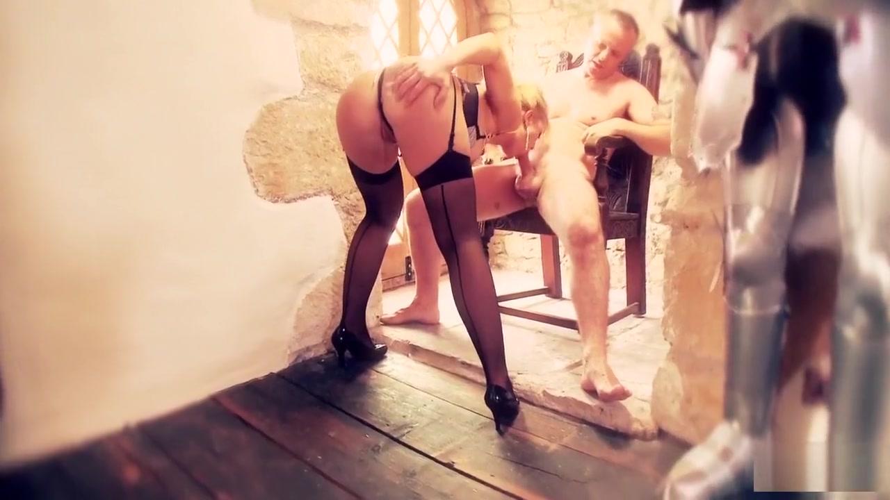 Grinder men Nude pics